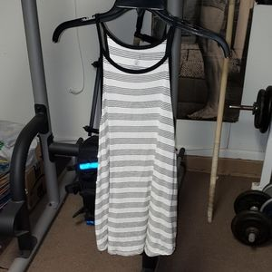 Volcom black & white striped jrs sz medium tanktop